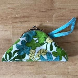 Vintage 1960's print terry cloth clutch